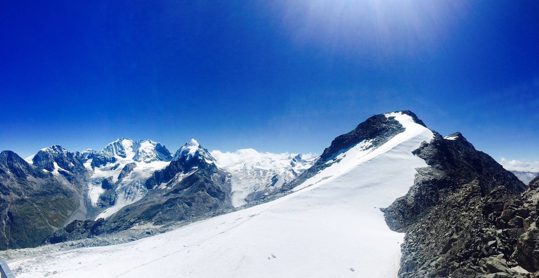 Pogled sa vrha Corvatsch (3303 metara nm)
