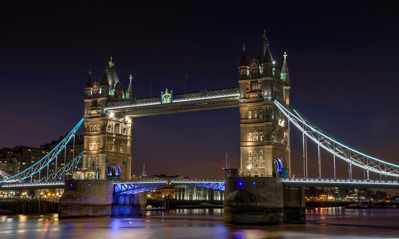 tower-bridge-1069216_1280