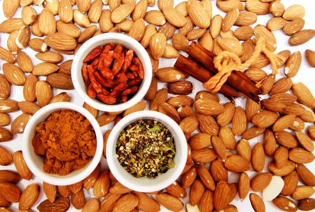 almonds-771630_1280