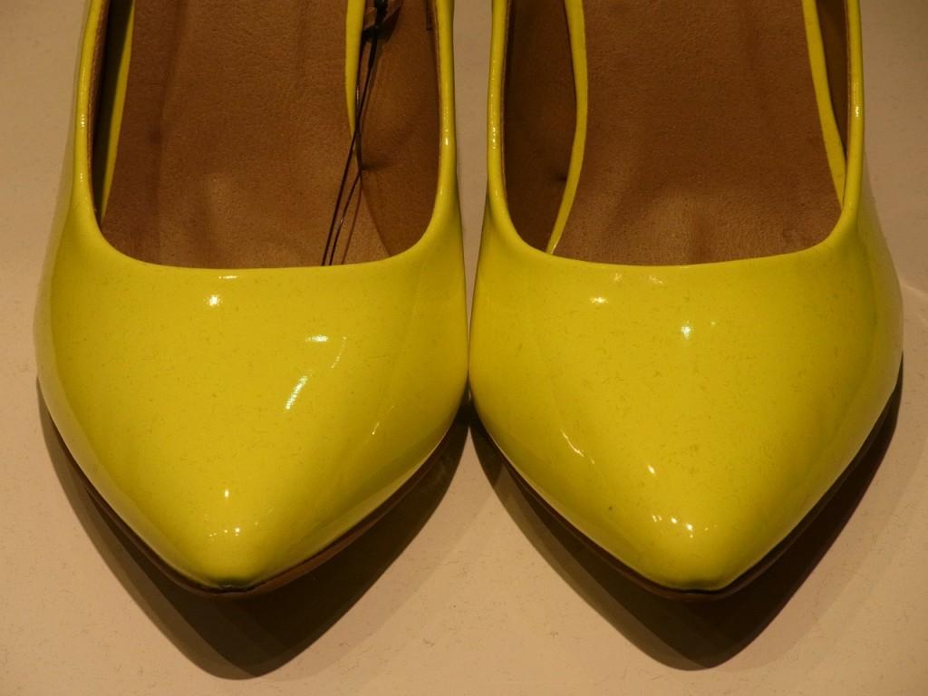 high-heels-98192_1280