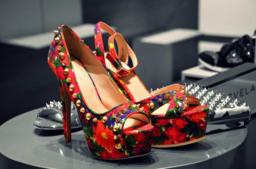 shoes-756616_1280