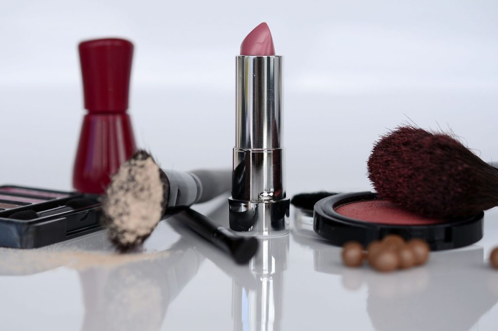 cosmetics-1367782_1280