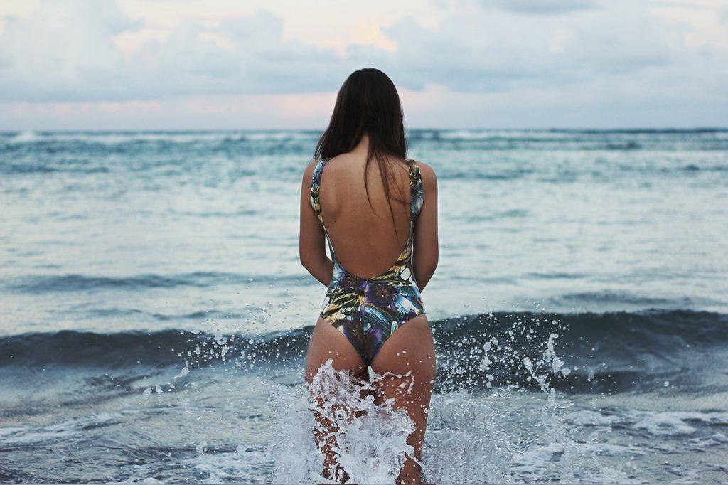 bathing-1031594_1280